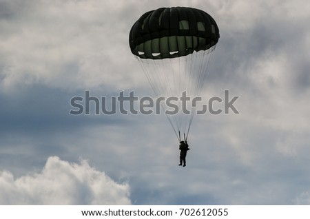 PARACHUTE JUMP - Soldier of the airborne troops