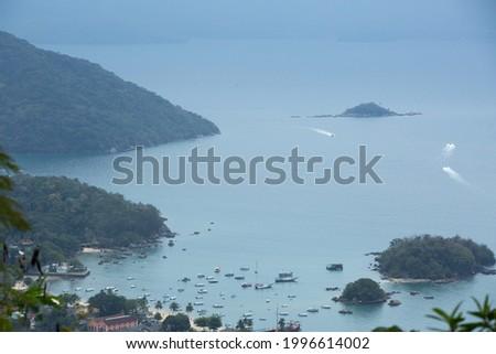 Paradisiacal beach seen from above in Ilha Grande Brasil Foto stock ©
