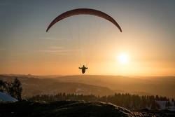 Paraglider Paragliding Switzerland Gleitschirmfliegen Gleitschirm Sonnenuntergang Sunset Swissmountain