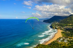 Paragliding Stanwell Tops / Bald Hill Lookout - Australia