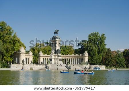 Parco del Buon Retiro - Alfonso XII's Monument
