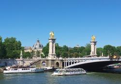 Paris, Alexandre bridge