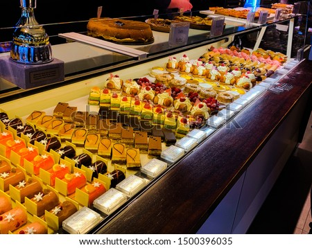 Paris Artisan Bakery cake and desert