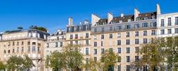 Paris, ile saint-louis and quai de Bethune, beautiful ancient buildings, panorama