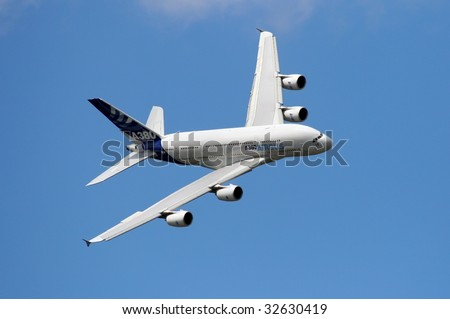 PARIS - JUNE 21: Airbus A380 exhibition flight at the Le Bourget Air Show on June 21, 2009 in Paris, France