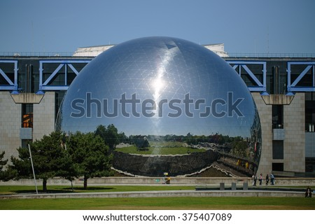 PARIS - June 15: La Geode in parc de la Villette on November 15, 2015 in Paris. A mirror-finished geodesic dome that holds an IMAX theater, built in 1985. #375407089