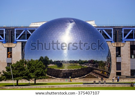 PARIS - June 15: La Geode in parc de la Villette on November 15, 2015 in Paris. A mirror-finished geodesic dome that holds an IMAX theater, built in 1985. #375407107