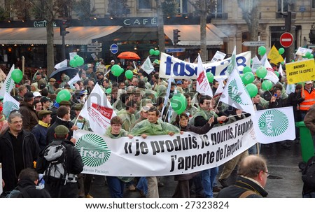 PARIS - MARCH 25: French farmers demonstrate against the plan of French agriculture minister Michel Barnier on the redistribution of the European financial aids on March 25, 2009 in Paris, France