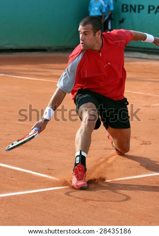 PARIS - MAY 20: Germany's professional tennis player Benedikt Dorsch during the match at French Open, Roland Garros, May 20, 2008 in Paris, France.