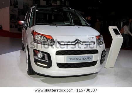 PARIS - OCTOBER 14: The Citroen C3 Picasso displayed at the 2012 Paris Motor Show on October 14, 2012 in Paris