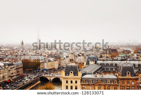 Paris skyline with view of the Eiffel Tower.