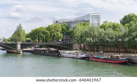 Paris, view of the Institut du monde arabe, on the Seine Stock fotó ©