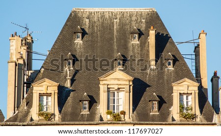 Parisian mansard roof in form of trapezium