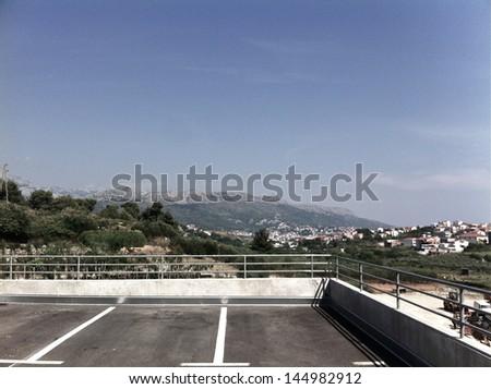 Parking Lot #144982912