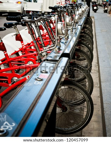 Parking of bicycles for hire Foto stock ©