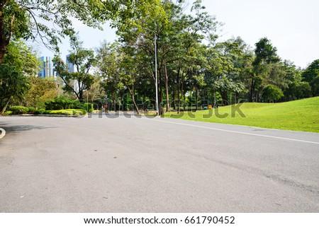Parks ; Garden #661790452
