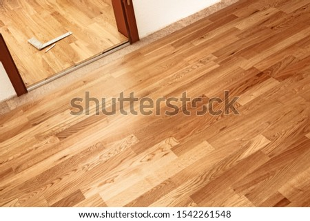 Parquetry, engineered click system oak wood flooring in a freshl ストックフォト ©