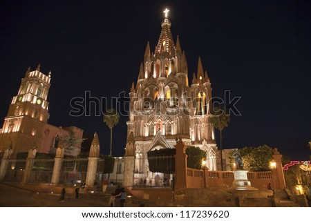 Parroquia church in san miguel de allende, mexico