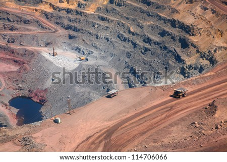 part of a pit with car