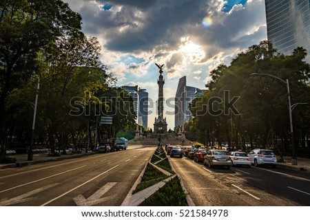 Shutterstock Paseo de La Reforma avenue and Angel of Independence Monument - Mexico City, Mexico