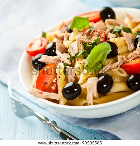 Pasta salad with tuna, olives and cherry tomatoes