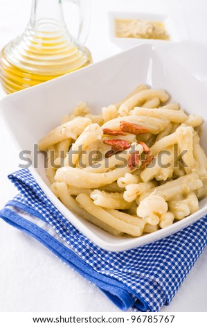 Pasta with artichoke pesto.