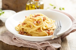 Pasta with egg sauce and ham