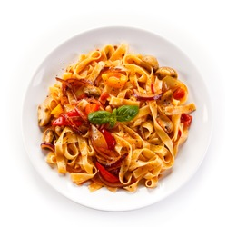 Pasta with ham and pepper