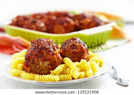 pasta with meatballs with tomato sauce