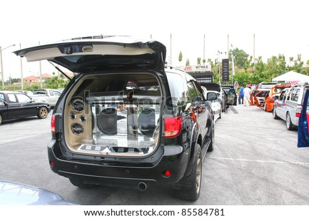 Audio Show systems Installation extreme bass speakers in Trunk Toyota