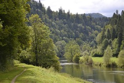 Peaceful river, the Doubs on the Franco-Swiss border
