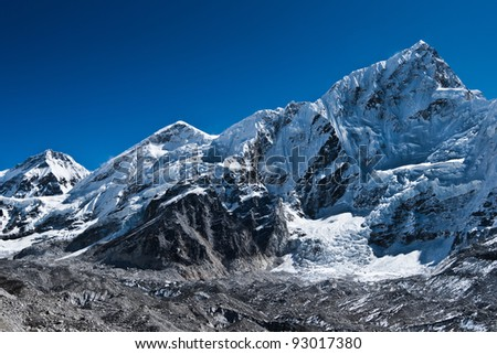Peaks and glacier near Gorak shep and Everest base camp