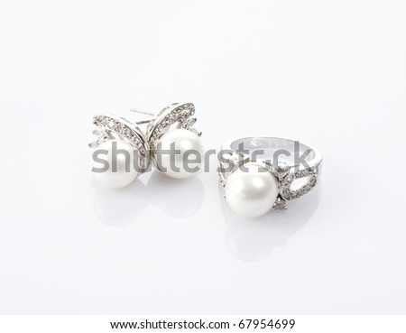 Pearl ring and earring