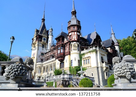 Peles Castle In Sinaia, Romania. It is a Neo-Renaissance castle in the Carpathian Mountains on an existing medieval route linking Transylvania and Wallachia, built between 1873 and 1914.