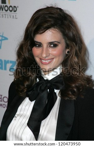 Penelope Cruz at the Hollywood Film Festival's 10th Annual Hollywood Awards Gala. Beverly Hilton Hotel, Beverly Hills, CA. 10-23-06