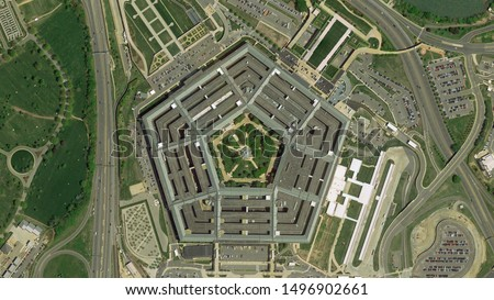 Pentagon in Washington building looking down aerial view from above ストックフォト ©