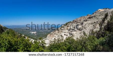Penteli mountain and its abandoned marble quarry. Attika, Greece. Foto stock ©