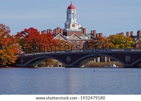 People enjoying a beautiful fall day in Boston MA  Zdjęcia stock ©