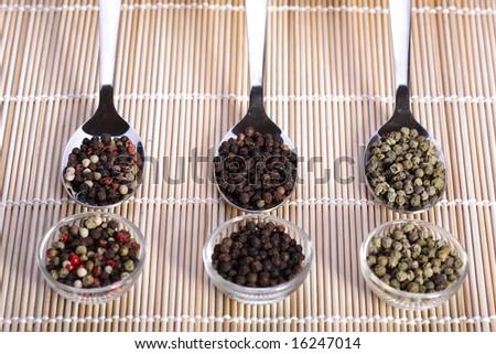 pepper composition, spice, green pepper, red pepper, white pepper