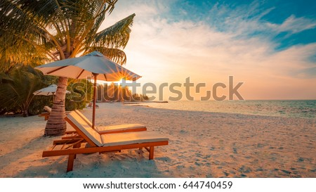 Perfect beach scene. Idyllic tropical beach landscape for background or wallpaper. Design of tourism for summer vacation holiday concept. Foto stock ©