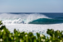 perfect wave breaking at pipeline beach