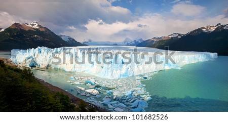 Perito Moreno Glacier panorama in Los Glaciares National Park, Patagonia, Argentina