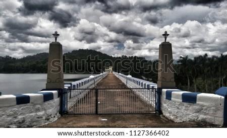 Perunchani Dam Ponmanai Perunchani Dam Rd, Veerapuli R.F., Tamil Nadu 627133, India Stock fotó ©
