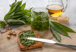 Pesto made with ramson, nuts, olive oil and parmesan cheese.
