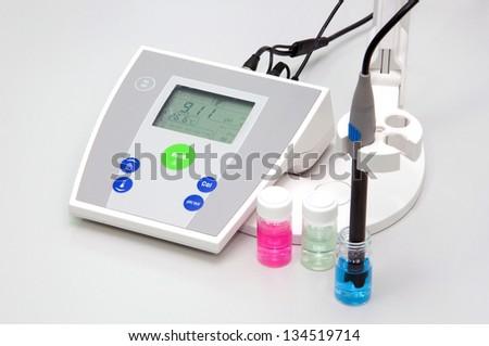 pH meter to measure the acidity-alkalinity of liquids