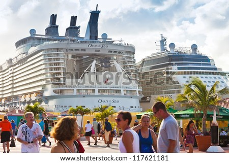 PHILIPSBURG, ST. MAARTEN - JAN. 19:  A.C. Wathey Pier easily becomes  busy and crowded with tourists when numerous cruise ships are in port for the day in St. Maarten on Jan. 19, 2011.