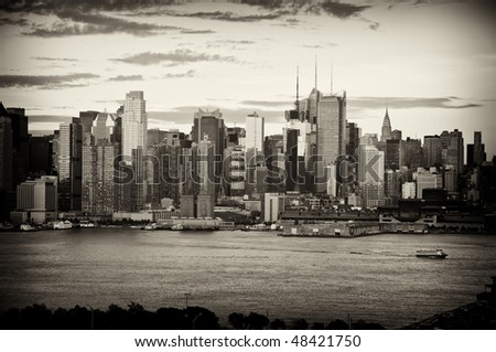 photo b&w late afternoon midtown nyc over hudson river
