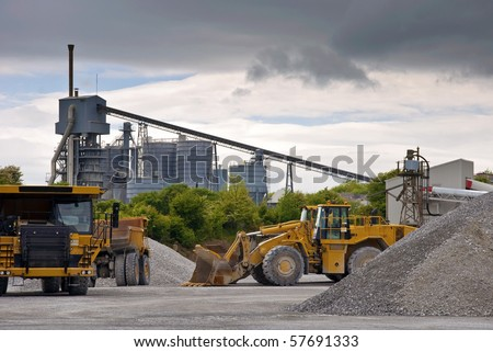 photo heavy large industrial stone quarry machinery