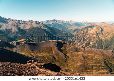Photo of a mountain day through the Pyrenees of Aragon, made in the Gistau valley. Foto de una jornada de montaña por los Pirineos de Aragón, realizadas en el valle de Gistau Foto stock ©