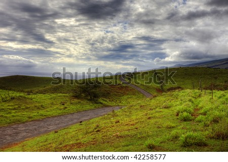 photo of a winding scenic road in southeast maui hawaii